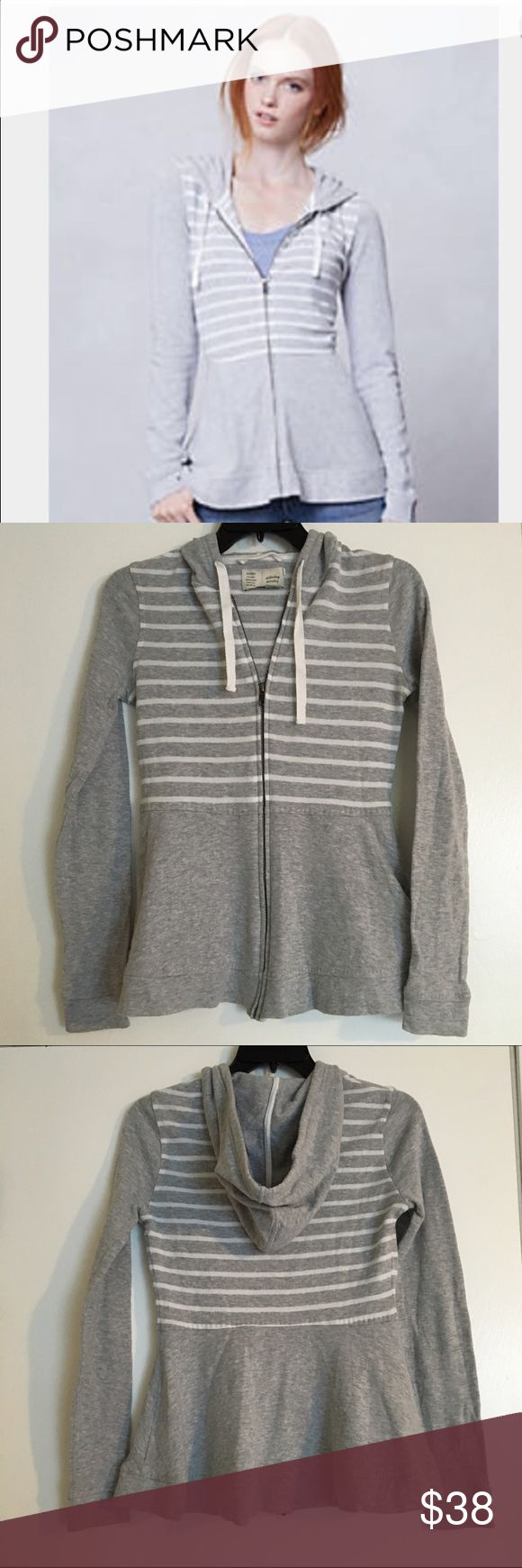 "Anthropologie peplum zip up sweatshirt Gray and white zip up sweatshirt with hood. Brand is Saturday Sunday for Anthro. Lightweight, cute peplum shape and contrast stitching, and in great condition with a few minor fuzzies. No pockets. Size small, chest measures 16"" across and length is 25"". 👍bundles Anthropologie Tops Sweatshirts & Hoodies"