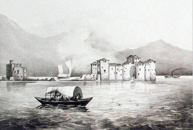 Le rovine del castello della Vitaliana sull'isolotto
