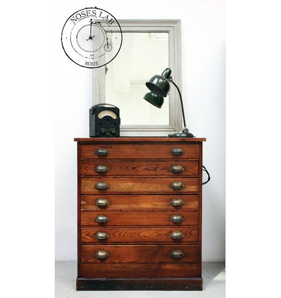 Mobile Cassettiera in legno anni '30 piemontese Gianduia #chestofdrawers #cassettiera #vintagefurniture #vintage
