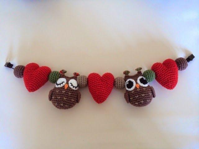 Hellenhallon: Virkad barnvagnsmobil med ugglor/crochet baby mobile owl heart