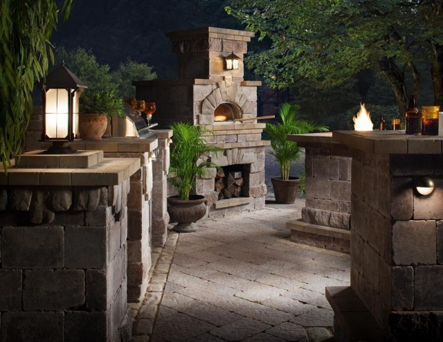 outdoor kitchen including a pizza oven outside decore