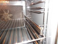 Πώς θα καθαρίσουμε το φούρνο; Σόδα Vs Αμμωνία