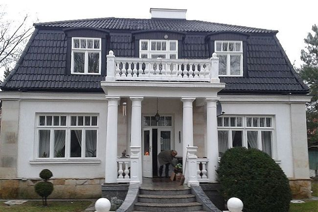Dach to nie tylko wygląd – to także bezpieczeństwo mieszkańców. www.liderbudowlany.pl