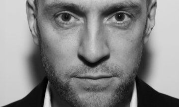 Derren Brown's New Book 'Happy' Slams Self-Help Industry: 'The Universe Doesn't Give A F**k' | Huffington Post