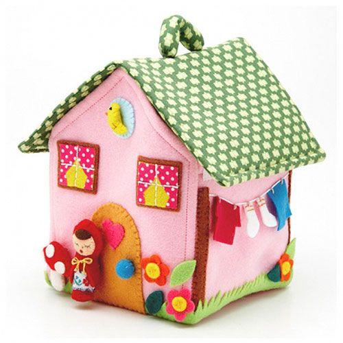 little felt house, I love the laundry line!