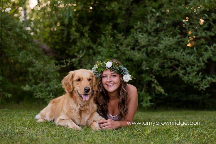 Michigan Senior photos with flower crowns and golden retriever