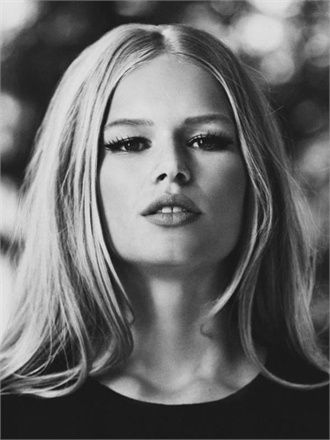 Anna Ewers - Courtesy of the Agency