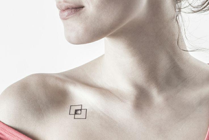 emplacement tatouage femme : clavicule