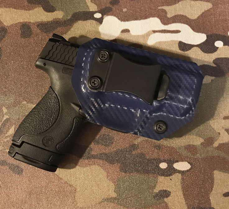 Kydex holster for Smith and Wesson Shield, 9mm/.40cal, blue carbon fiber design