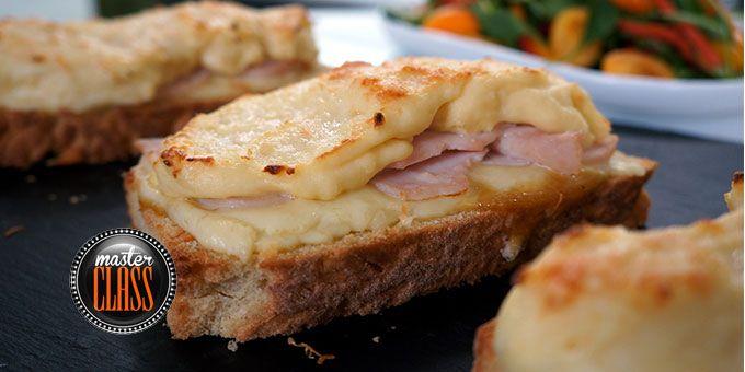 Κροκ μεσιέ (Ανοιχτά σάντουιτς φούρνου με μπεσαμέλ)