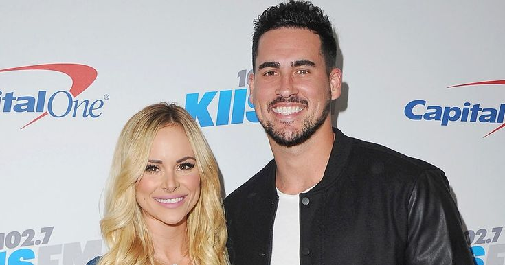 'Bachelor in Paradise' alums Amanda Stanton and Josh Murray have split, a source confirms to Us Weekly — read more