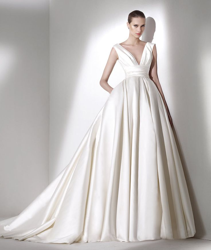 Elie by Elie Saab for Pronovias Bridal Collection 2015> It looks like a lot of material, but it looks Great!