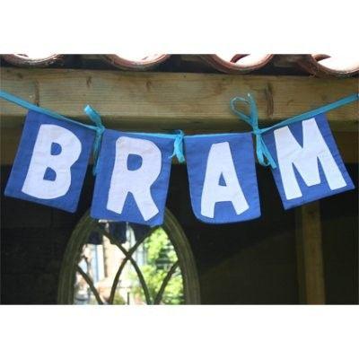 Altijd leuk deze mooie blauwe stoffen letter of cijfer vlag om je eigen stoffen slinger mee te maken! Via altijdleuk.nl