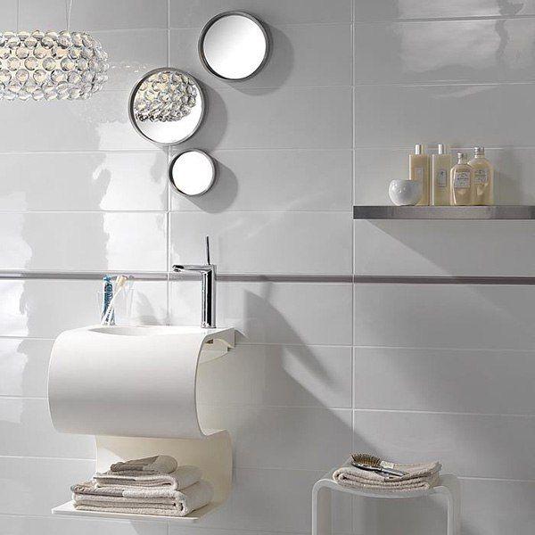 Организация пространства вокруг раковины. http://santehnika-tut.ru/aksessuary-dlya-vannoj/  #новинка #мебель #сантехника #ванна