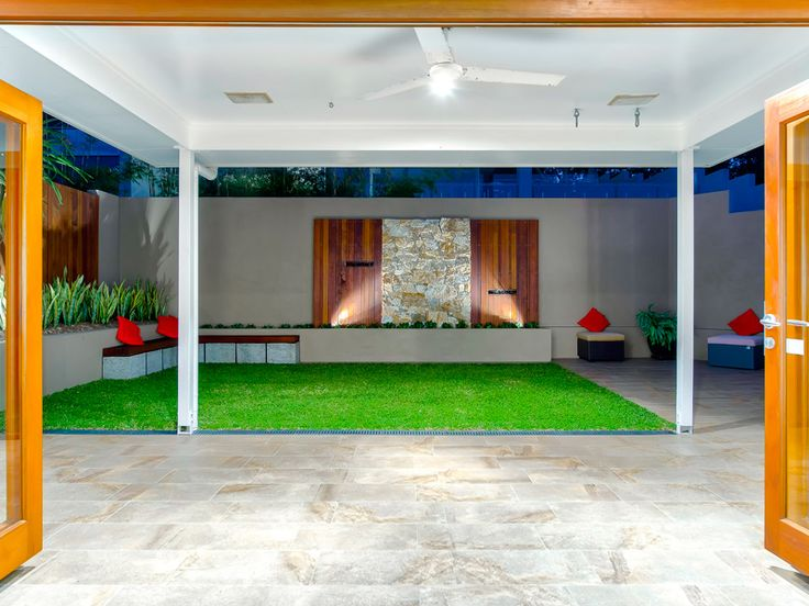 Inner city brisbane courtyard courtyards pinterest for Courtyard landscaping brisbane