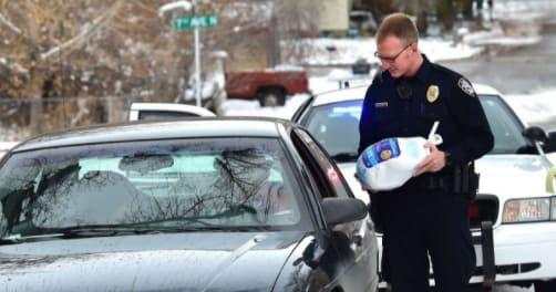 ¿Imaginas que en lugar de recibir una multa por infracción obtengas pavos? Pues eso fue exactamente lo que sucedió en esta ciudad de Estados Unidos.