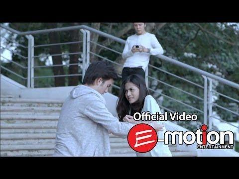 Pas bgt sm keadaan Haha~ Armada - Katakan Sejujurnya (Official Video)