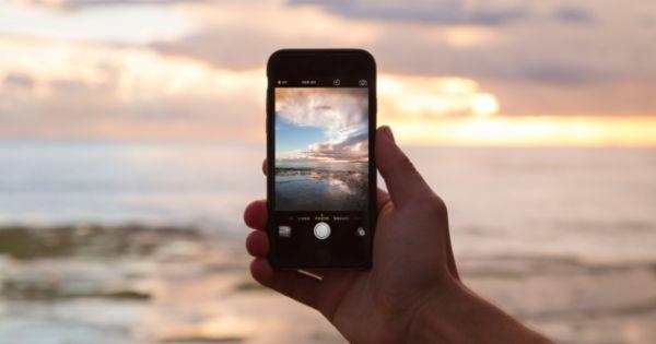 Liebe UHUs, diesen Sommer habe ich mal wieder gemerkt, wie oft man eigentlich ausschließlich mit dem Smartphone Urlaubsfotos macht und das die Digitalkamera / Spiegelreflex immer häufiger im Koffer oder gar ganz zu Hause bleibt.  Sicher gibt es die Foto-Liebhaber, denen keine Linseneinstellung...