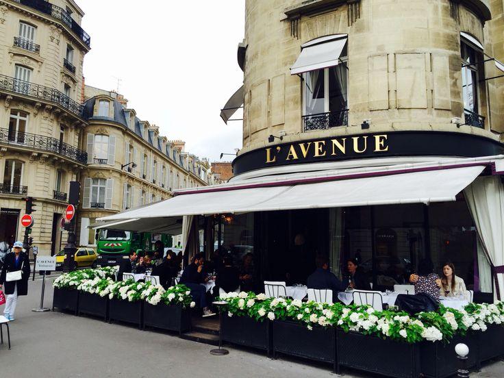 L'Avenue Restaurant , the it place