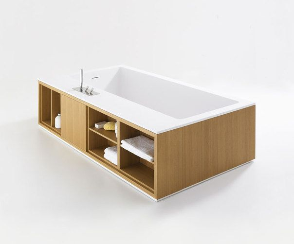 CARTESIO W, 2009 - Benedini Associati | Freestanding rectangular bathtub with interior in white Cristalplant® biobased and exterior in natural, medium or dark oak, or in teak. Cartesio bathtubs are also available with side panels and comes in many variants, plain or with different shelf configurations.