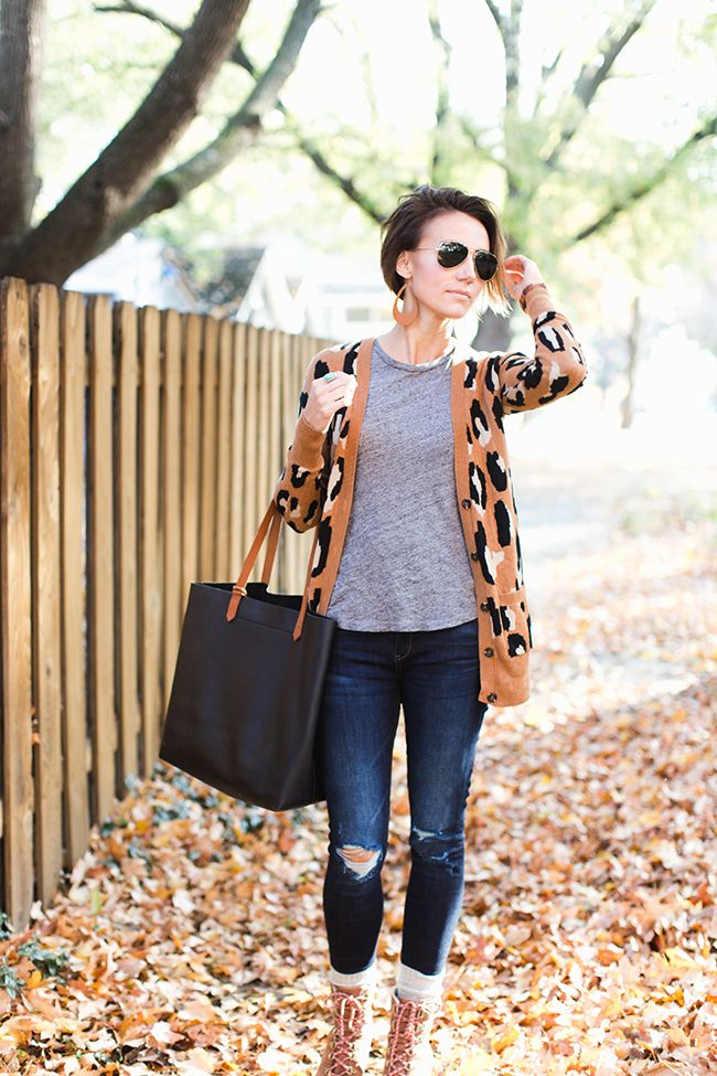 Cool mom clothes, distressed skinnies, denim jacket, leather earrings, aviators. Street style and outfit ideas for real life.