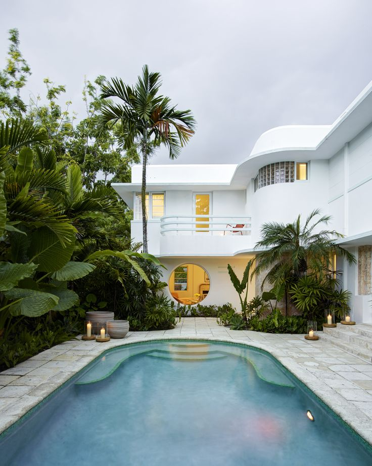 Inside An Eclectic Art Deco Miami Home