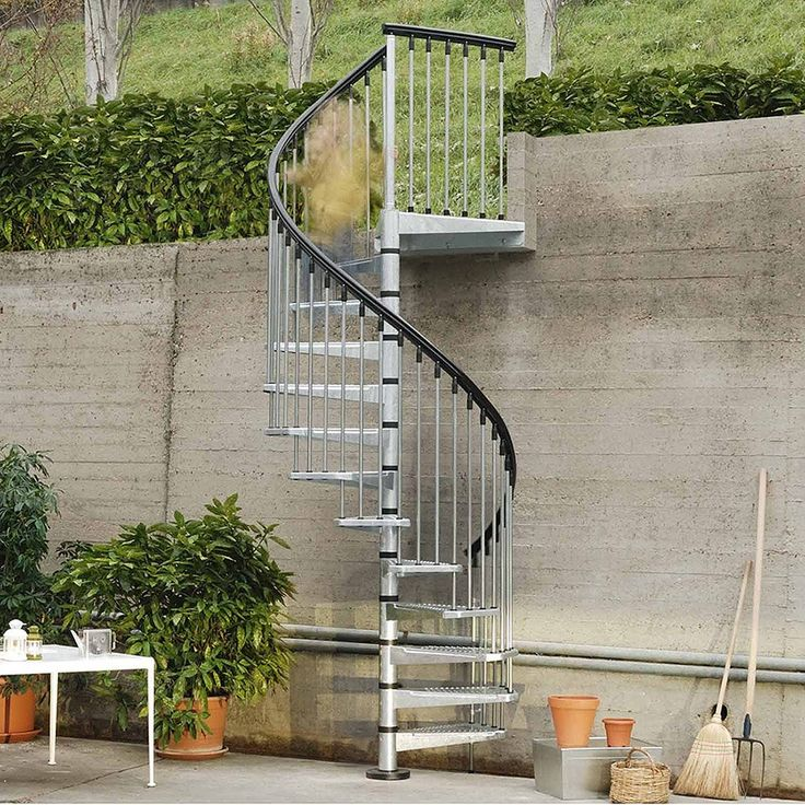 Spiraltrapp Fontanot Civik Sink fra Bygghjemme. Om denne nettbutikken: http://nettbutikknytt.no/bygghjemme-no/