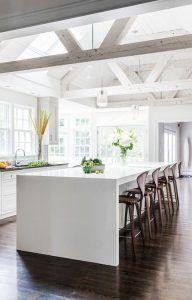 No te olvides del techo a la hora de renovar tu vivienda. Las vigas decorativas darán un nuevo aspecto a tu hogar 🛠⛩