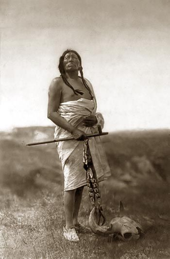 Sioux Medicine Man: Slow Bull, Americanindian, Edward Curtis, American Indian, Medicine Men, Native Indian, Sioux Indian, Men Slow, Native American