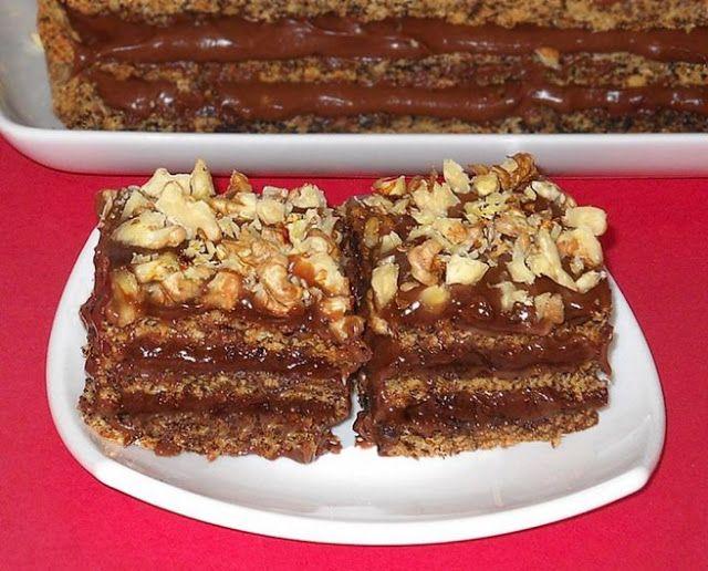 Bunătăţi din bucătăria Gicuței: Prăjitură cu nucă Sumegi