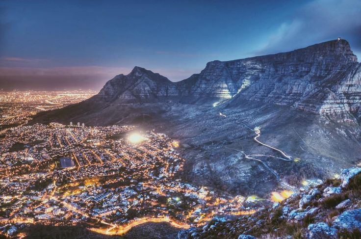 I am lucky to have grown up in such a beautiful city @cityofcapetown. I thinks it's so important to continually look for the unique beauty of your home and not to let it become something you take for granted -  #tablemountain #nature #mountain #photography #instagram #capetownmagscenic #capetown #city #colour #mood #lights #longexposure #orms #southafrica #nikonsa #nikon #follow