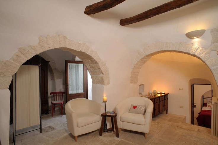 Trulli. A unique selection of charming accommodations in Apulia. Sei splendide location in Valle d'Itria