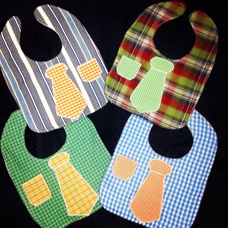 Baberos con corbata