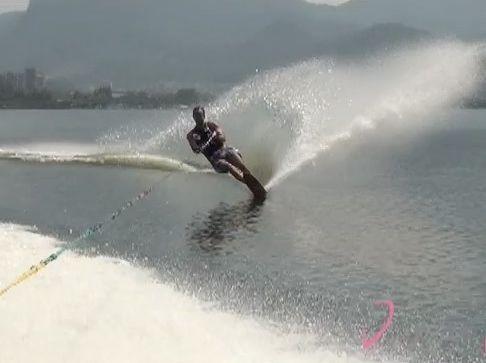 Esqui aquático na Lagoa - Velocidade e adrenalina para combater o stress