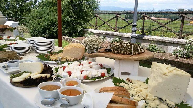 <3 SERENA E STEFANO   #buffet #aperitife #relaisnadynne #wedding #weddingday  #food #wine #traditions