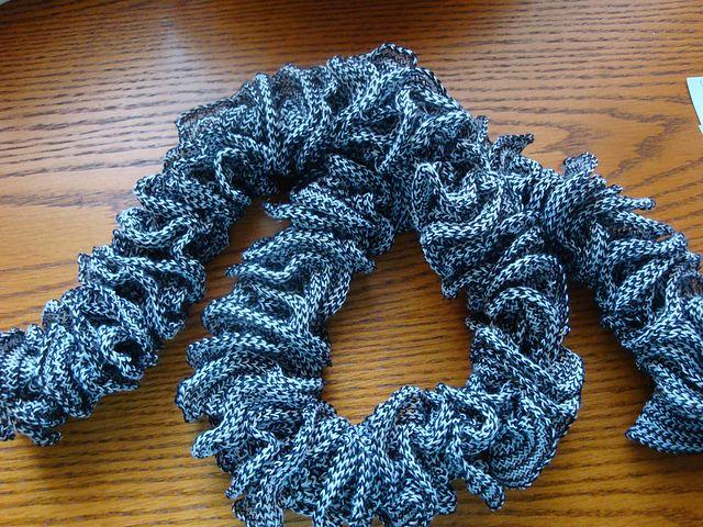 1-Ball Knit Scarf: free fast n easy pattern