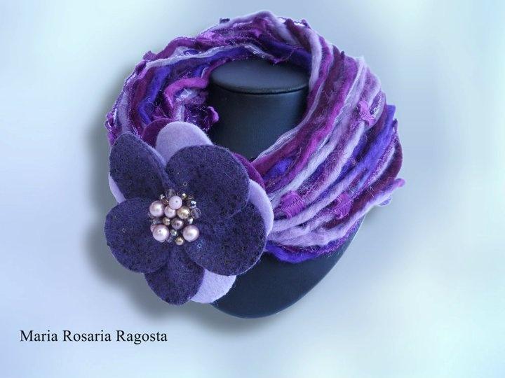 sciarpa/collana ... un accessorio caldo ed elegante per completare l' abito