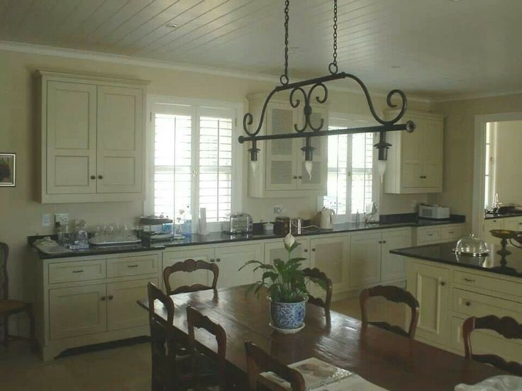 French style kitchen by Robert Mills Designs