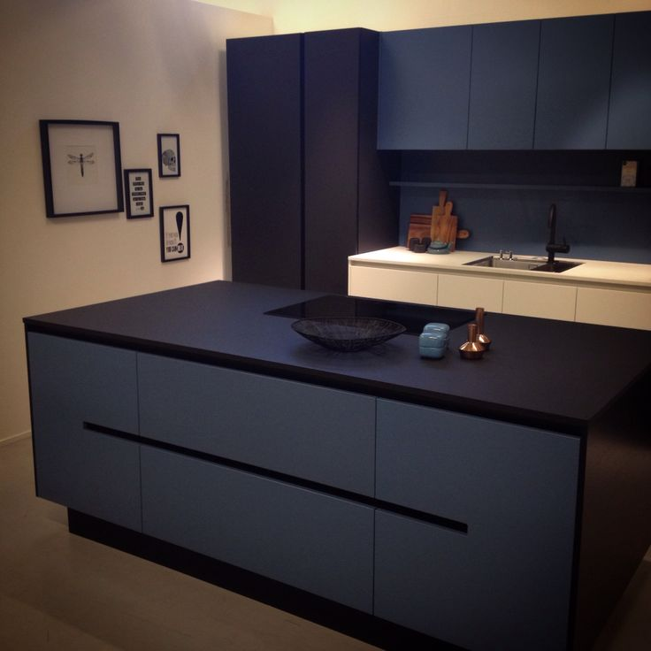 HTH Kitchen Model Athena Dusty Blue VH7 Concept