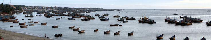 Fishing boats near Mũi Né village