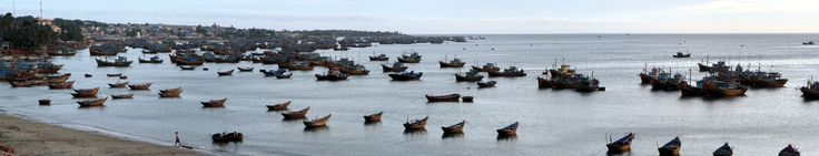 Fishing boats near Mũi Né village