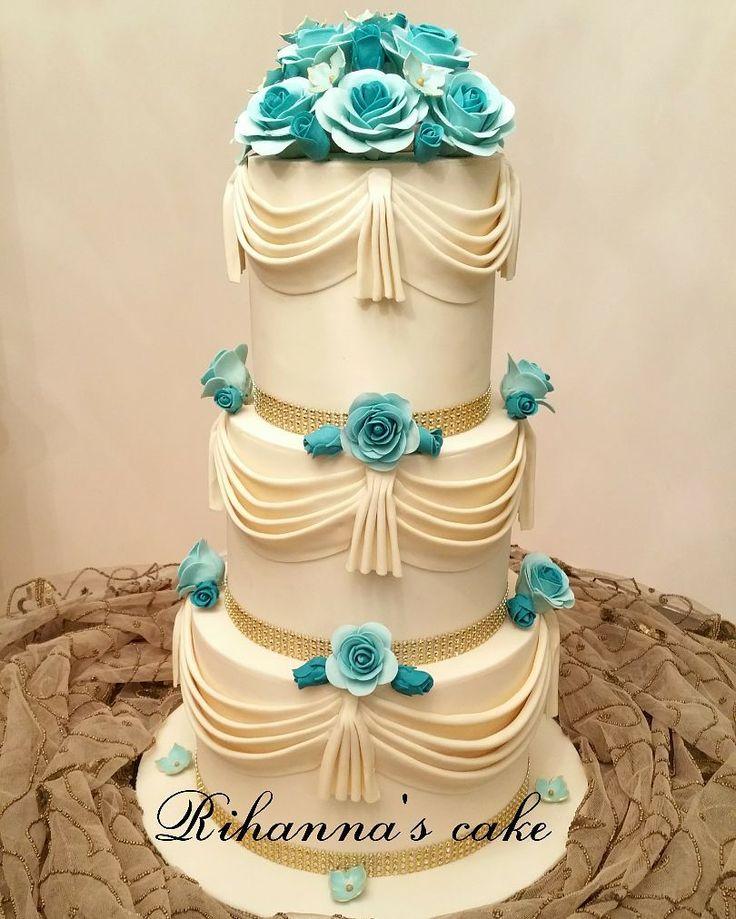 3 tire wedding cakes.... . . #cake #cakes#weddingcake #3tirecake#fondantcake#gumpasteflowers #luxurycake #cakedeco #cakedecorating #cakeinstyle#cakeinstag #cakedesign#کیک #فوندانت_کیک