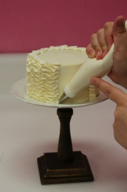How to Make a Ruffled Buttercream Cake
