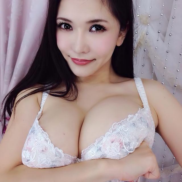 Anri Okita is a japanese av idol born in (actually born in England) on 28 10 1986. Her blood type is B, and she is 168 cm tall, Anri's body measurements are: Bust: 101 cm, Waist: 59 cm and Hips: 92 cm.