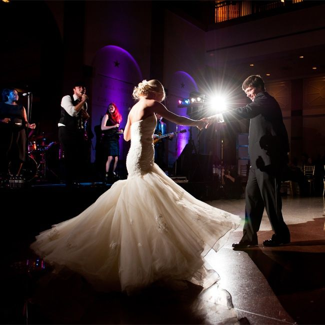 First Dance Jenny DeMarco Photography Love The Flash In Back