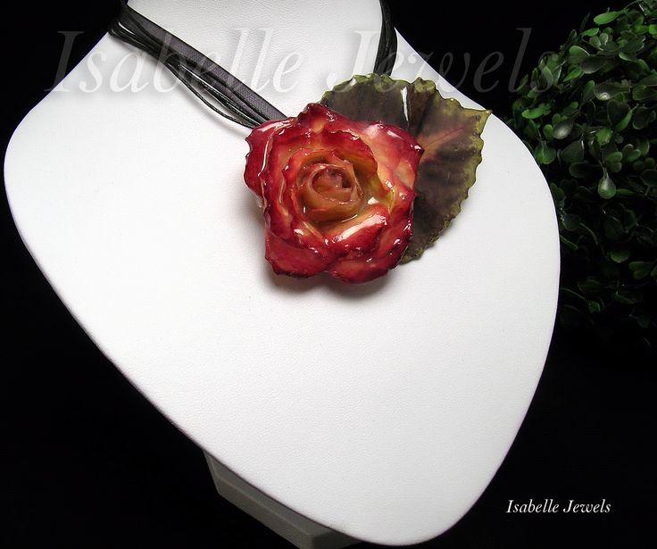 Collana realizzata con una rosa naturale vetrificata, Real flowers jewelry. Resin creations, resin jewelry, creazioni in resina. Epoxy resin Gioielli artistici Gioielli in resina #resin #epoxy #necklace #jewels #creations #art #artist #artista #artwork #arts #design #fashion #look #gioielli #jewelry #fiori #flowers #look #designers #love #cute #beautiful #beauty #arts #arte #artistic #creative #fashion #style #italy #italia #design #sterling #silver