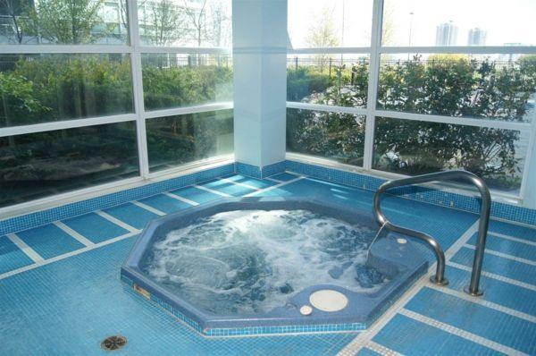 whirlpool badewanne innen jacuzzi exterior design pinterest - Whirlpool Badewanne Designs Jacuzzi
