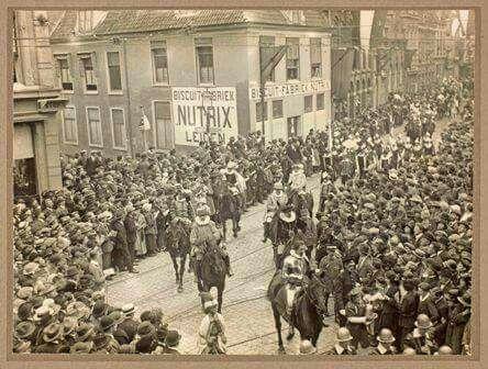 Pieten te paard, Leiden 1926