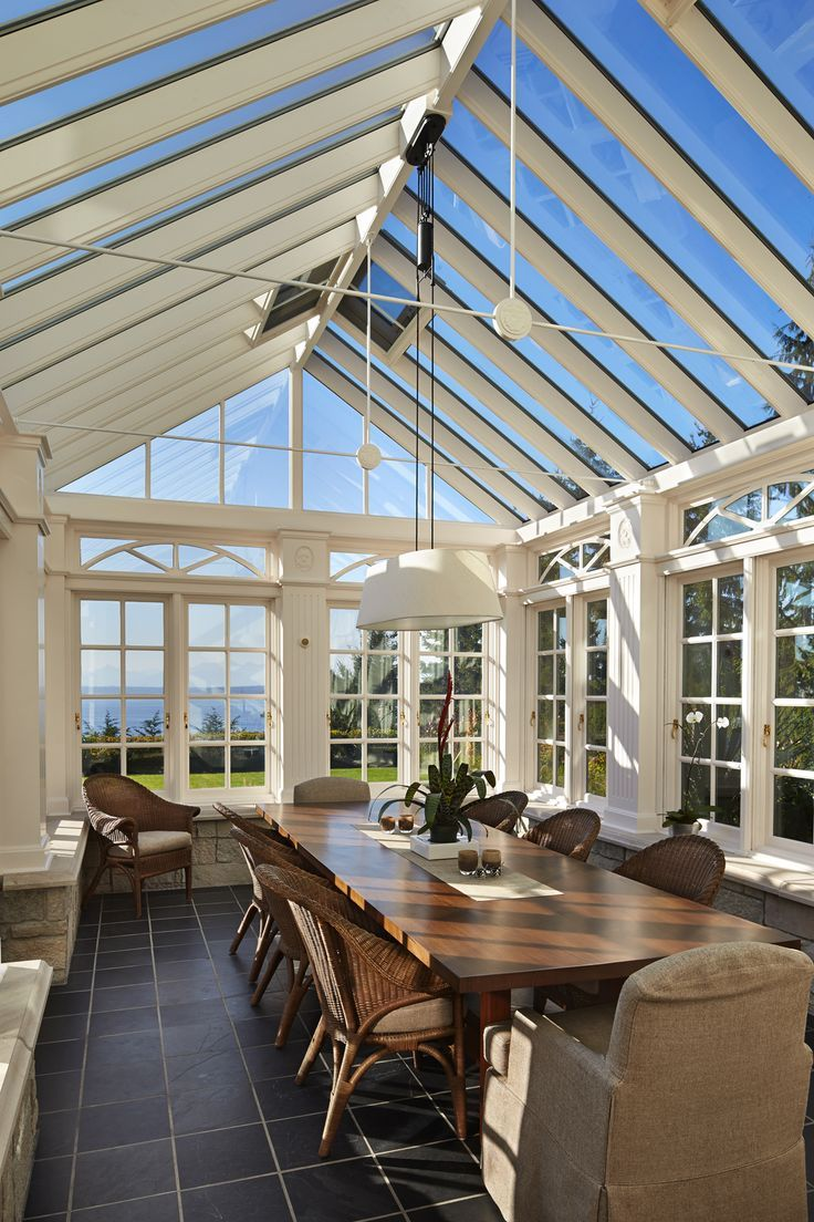 Gorgeous! The light in this dining area is stunning!