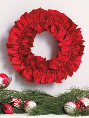 Ribbon wreathChristmas Wreaths, Holiday Wreaths, Ribbons Wreaths, Diy Wreaths, Ribbon Wreaths, Grosgrain Ribbons, Holiday Crafts, Holiday Decor, Forget Me Knots